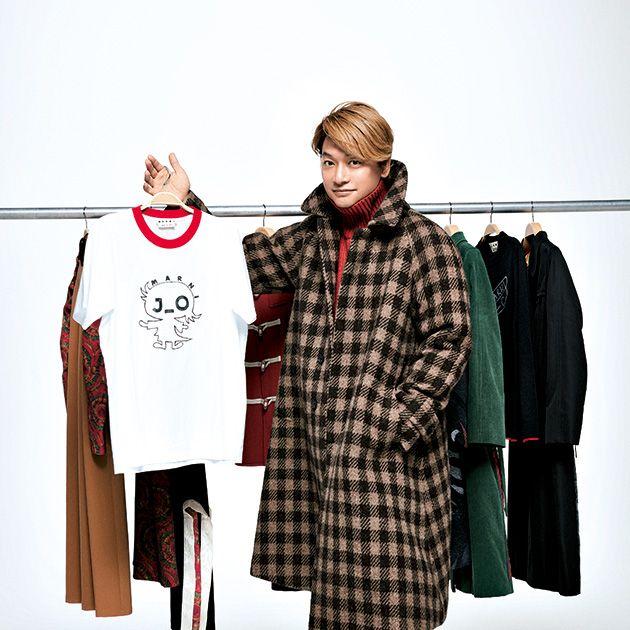 Sleeve, Textile, Clothes hanger, Style, Fashion, Street fashion, Fur, Fashion design, Costume design, Overcoat,