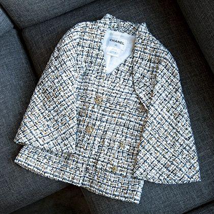 Pattern, Design, Outerwear, Silver, Pattern, Fashion accessory, Metal,