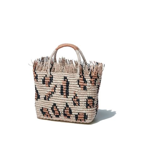 Bag, Handbag, Fashion accessory, Beige, Basket, Tote bag, Wicker, Shoulder bag, Picnic basket, Storage basket,