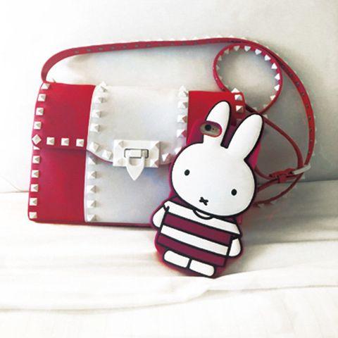 Red, Bag, Pink, Fashion accessory, Handbag, Rabbit, Coin purse, Rabbits and Hares, Ear,