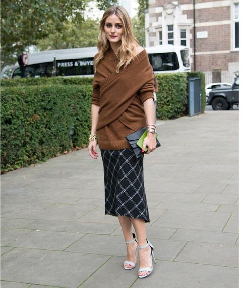 Clothing, Plaid, Tartan, Street fashion, Pattern, Pencil skirt, Fashion, Footwear, Snapshot, Brown,