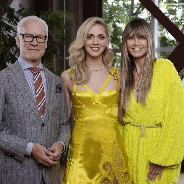 Yellow, Event, Fashion, Suit, Outerwear, Fun, Formal wear, Ceremony, Smile, Dress,