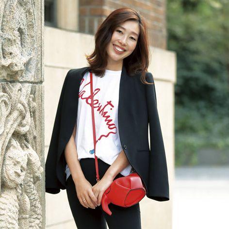 Clothing, White, Street fashion, Black, Outerwear, Blazer, Shoulder, Sleeve, Jacket, Fashion,