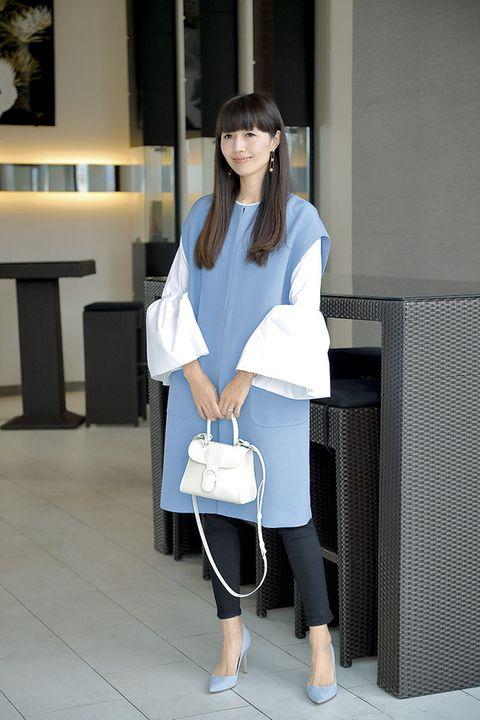 White, Clothing, Street fashion, Shoulder, Leg, Snapshot, Fashion, Footwear, Uniform, Outerwear,