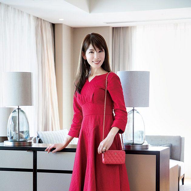 Clothing, Pink, Dress, Furniture, Room, Formal wear, Fashion model, Magenta, Leg, Photography,