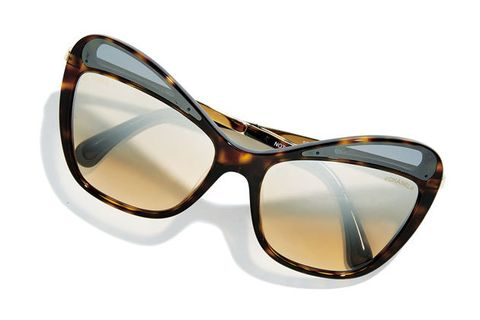 Eyewear, Sunglasses, Glasses, Transparent material, Personal protective equipment, Goggles, Brown, Vision care, Eye glass accessory, Material property,
