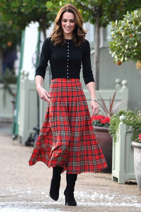 Clothing, Plaid, Tartan, Pattern, Street fashion, Waist, Red, Textile, Fashion, Design,