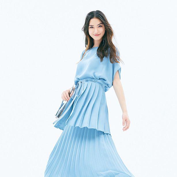 Blue, Clothing, White, Fashion model, Aqua, Dress, Turquoise, Shoulder, Waist, Fashion,