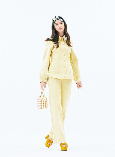 Clothing, White, Yellow, Fashion model, Fashion, Shoulder, Outerwear, Waist, Standing, Neck,
