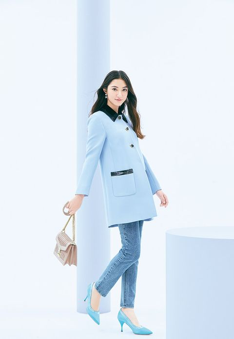 Clothing, White, Blue, Shoulder, Standing, Coat, Fashion, Uniform, Outerwear, White coat,