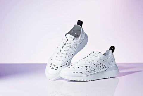 Shoe, Footwear, White, Sportswear, Walking shoe, Outdoor shoe, Sneakers, Nike free, Athletic shoe, Basketball shoe,