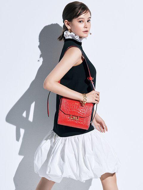 Shoulder, White, Clothing, Black, Waist, Fashion model, Joint, Bag, Fashion, Neck,