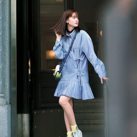 Clothing, Photograph, Street fashion, Blue, Fashion, Beauty, Snapshot, Footwear, Denim, Fashion model,