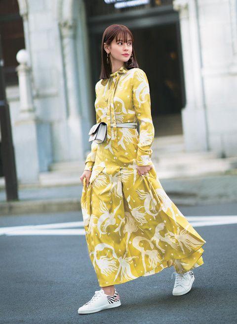 Clothing, Yellow, Fashion model, Street fashion, Fashion, Dress, Outerwear, Shoulder, Fashion design, Footwear,