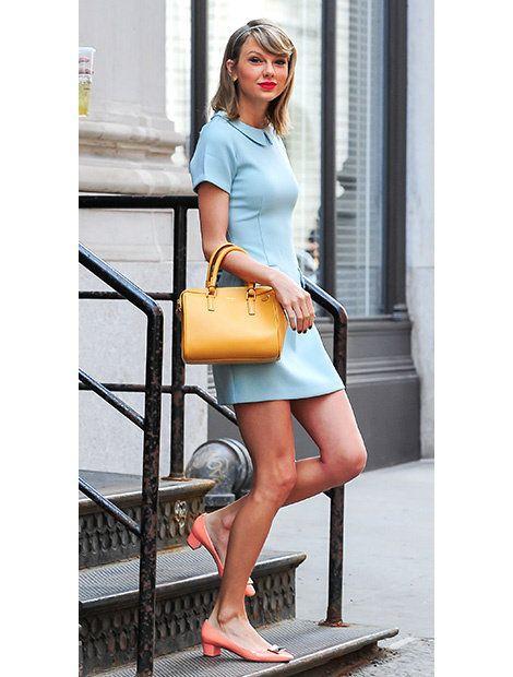 Leg, Human leg, Shoulder, Bag, Joint, Sitting, Style, Street fashion, Slipper, Fashion accessory,