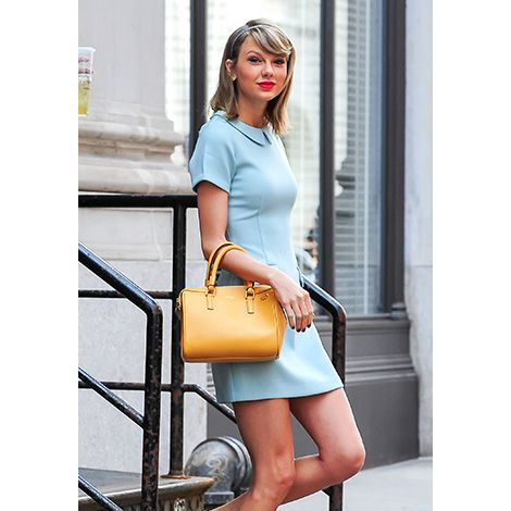 Leg, Human leg, Shoulder, Shoe, Joint, Bag, Sitting, Style, Street fashion, Fashion accessory,