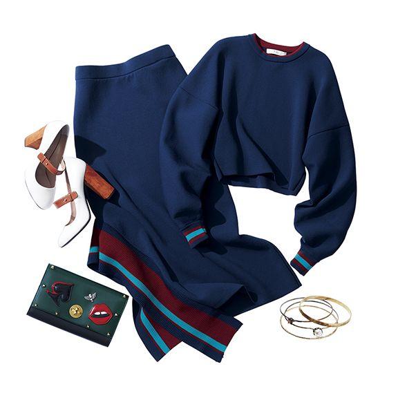 Clothing, Sports uniform, Uniform, Sportswear, Sleeve, Outerwear, Jersey, Electric blue, T-shirt,
