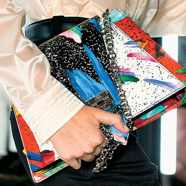 Street fashion, Fashion, Hand, Textile, Neck, Fashion accessory, Sleeve, Handbag, Eyewear, Style,