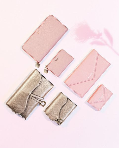 Pink, Eye, Material property, Peach, Rectangle, Fashion accessory, Cosmetics,