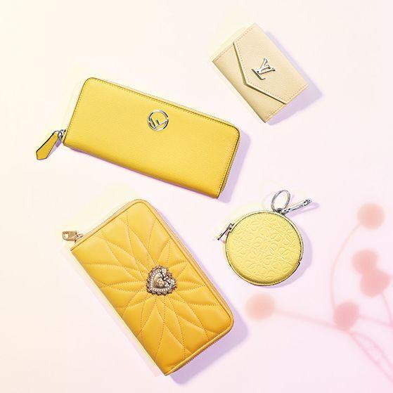Yellow, Wallet, Coin purse, Fashion accessory, Material property, Zipper, Rectangle, Handbag, Bag,