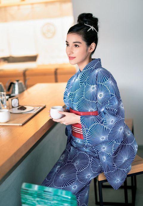 Clothing, Blue, Costume, Kimono, Textile, Sleeve, Neck, Sitting, Silk, Pajamas,