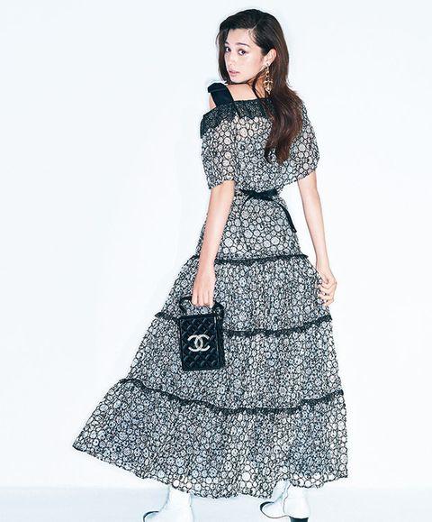 Clothing, White, Waist, Dress, Fashion model, Day dress, Fashion, Sleeve, Neck, A-line,