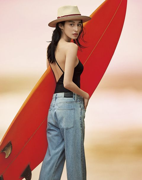 Clothing, Jeans, Red, Beauty, Standing, Fashion, Hat, Model, Headgear, Sun hat,