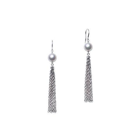 Earrings, Jewellery, Fashion accessory, Silver, Silver, Body jewelry, Metal,