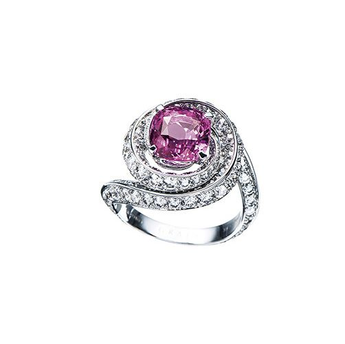 Jewellery, Engagement ring, Pre-engagement ring, Ring, Fashion accessory, Wedding ring, Diamond, Body jewelry, Lavender, Crystal,