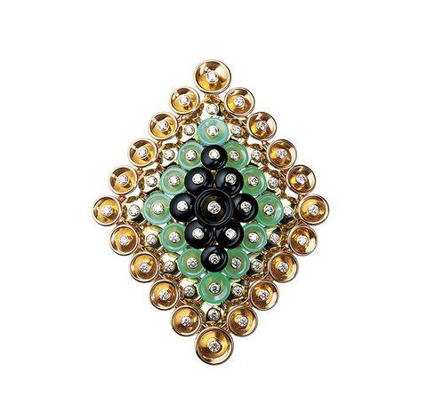 Jewellery, Fashion accessory, Emerald, Gemstone, Pendant, Body jewelry, Circle, Jewelry making, Brooch, Pearl,