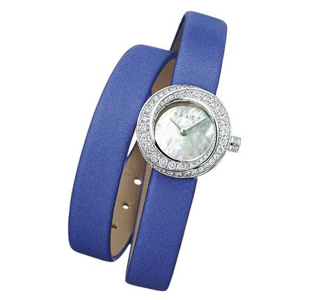 Analog watch, Watch, Strap, Watch accessory, Fashion accessory, Jewellery, Silver, Material property, Buckle, Belt buckle,
