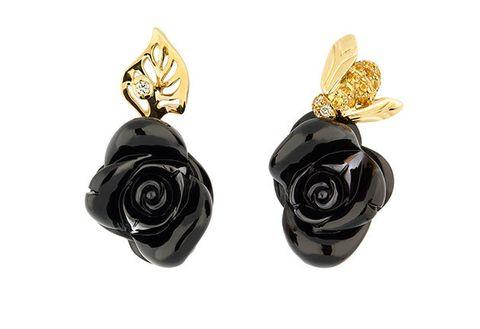 Earrings, Black, Fashion accessory, Jewellery, Yellow, Gemstone, Plant, Ear, Feather, Flower,