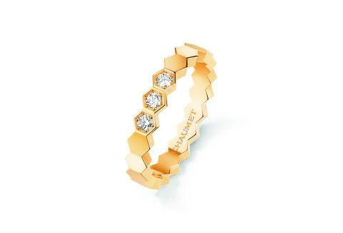 Jewellery, Fashion accessory, Yellow, Earrings, Body jewelry, Gold, Metal, Bracelet, Gemstone, Chain,