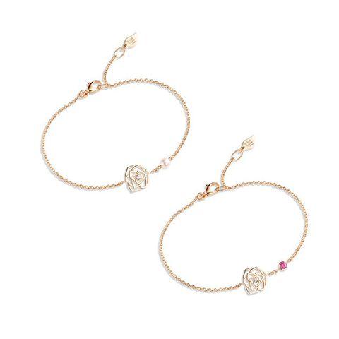 Jewellery, Fashion accessory, Body jewelry, Bracelet, Silver, Circle, Metal,