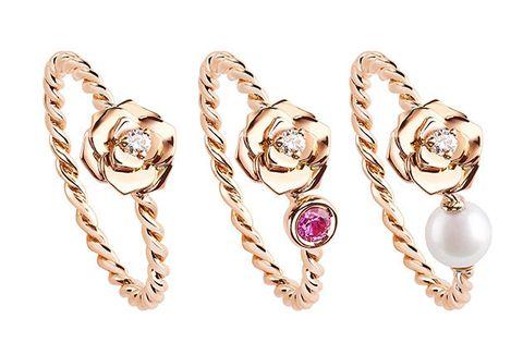Jewellery, Fashion accessory, Body jewelry, Ear, Gemstone, Earrings, Finger, Diamond, Crystal, Engagement ring,