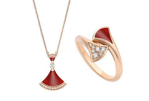 Jewellery, Fashion accessory, Pendant, Necklace, Locket, Body jewelry, Diamond, Chain, Ruby, Gemstone,