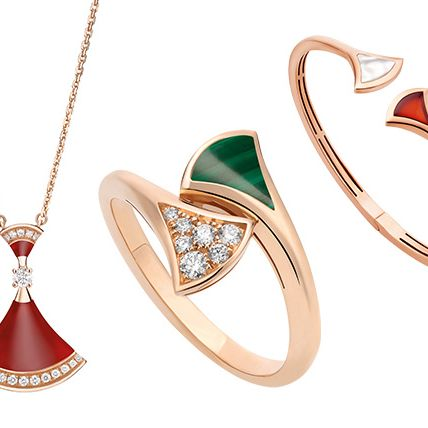 Jewellery, Fashion accessory, Pendant, Body jewelry, Locket, Diamond, Necklace, Gemstone, Chain, Platinum,