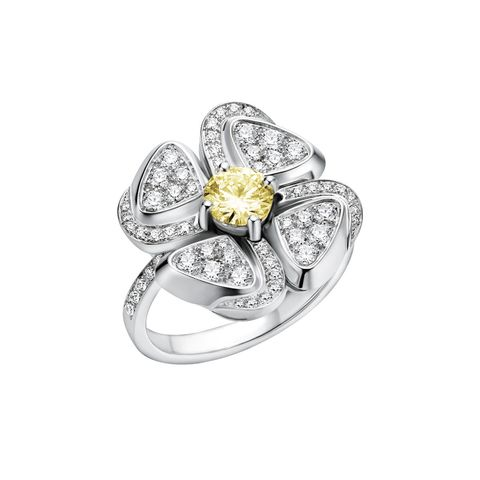 Ring, Diamond, Jewellery, Fashion accessory, Engagement ring, Pre-engagement ring, Platinum, Gemstone, Yellow, Metal,