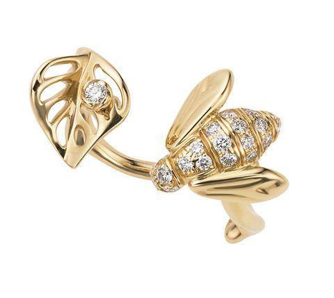 Jewellery, Fashion accessory, Diamond, Gemstone, Body jewelry, Earrings, Ear, Engagement ring, Metal, Ring,