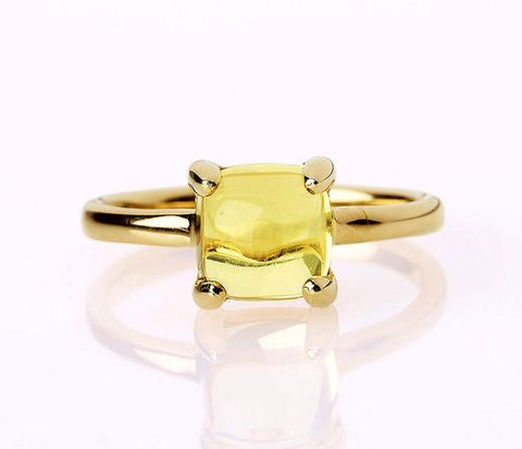 Brown, Yellow, Fashion accessory, Amber, Jewellery, Natural material, Metal, Fashion, Tan, Ring,