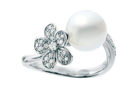 Fashion accessory, Jewellery, Platinum, Gemstone, Body jewelry, Ring, Silver, Metal, Diamond, Pearl,