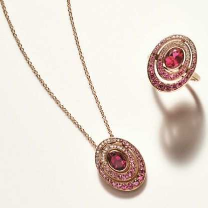 Jewellery, Pendant, Necklace, Fashion accessory, Body jewelry, Pink, Locket, Gemstone, Ruby, Magenta,