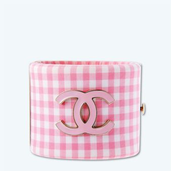 Textile, Pattern, Pink, Bag, Rectangle, Plaid, Luggage and bags, Maroon, Tartan, Design,