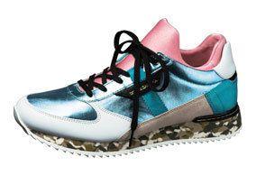 Footwear, Blue, Product, Green, Athletic shoe, Photograph, White, Aqua, Teal, Purple,