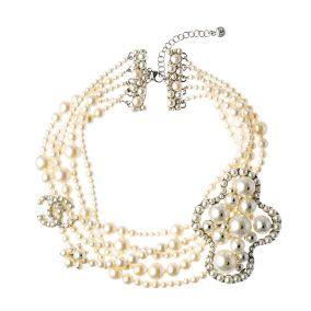 Jewellery, Photograph, White, Fashion accessory, Amber, Natural material, Body jewelry, Fashion, Creative arts, Beige,