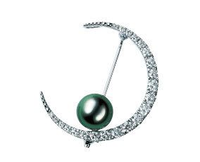 Jewellery, Circle, Metal, Body jewelry, Natural material, Silver, Spiral, Gemstone, Earrings, Platinum,