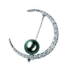 Jewellery, Circle, Metal, Body jewelry, Natural material, Silver, Spiral, Nickel, Gemstone, Platinum,