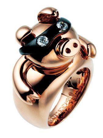Amber, Metal, Natural material, Silver, Body jewelry, Jewelry making, Gemstone, Brass, Bronze,