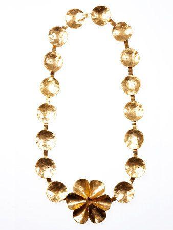 Jewellery, Fashion accessory, Amber, Natural material, Body jewelry, Tan, Craft, Circle, Jewelry making, Bead,