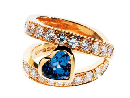 Jewellery, Brown, Yellow, Photograph, Fashion accessory, Natural material, Amber, Ring, Orange, Fashion,